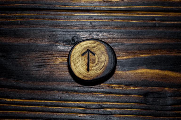 tiwaz rune